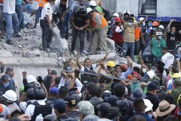 Embajada de Bolivia en México pide calma y activa números de emergencia por terremoto
