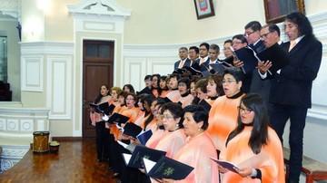 """Coros invitan a un """"Paseo por Bolivia"""""""