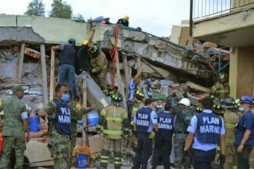 México saca fuerzas para imponerse a la tragedia