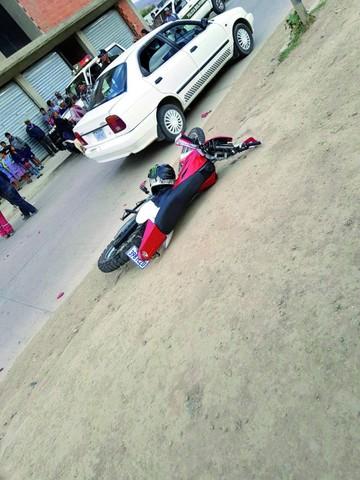 Muere joven motociclista al colisionar con volqueta