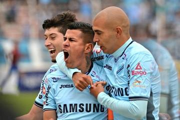 Arce y Fierro le dan el triunfo a Bolívar sobre The Strongest