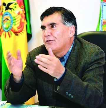 Cesan a representante distrital en La Paz