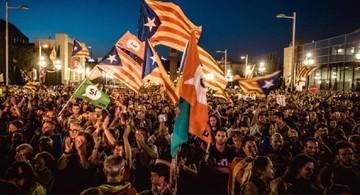 Cataluña exhibe ánforas y avanza con referéndum