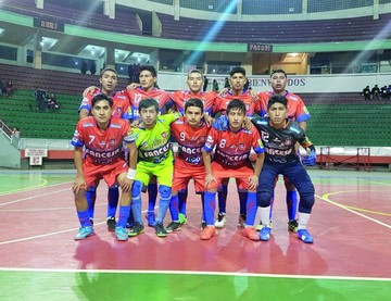"""Futsal: La """"U"""" queda fuera; hoy es el turno de Lizondo"""
