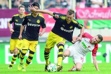Dortmund sigue líder en Alemania con otro triunfo
