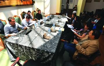 Papeles de Panamá pone  en la mira a 11 familias