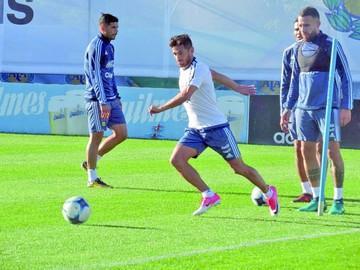 Argentina inicia su trabajo a la espera de Messi