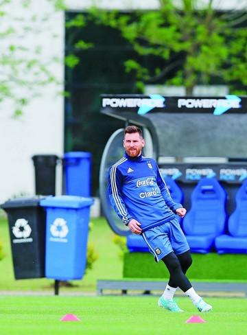 Messi + 10