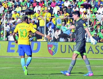 Neymar reconoce calidad  de Lampe y le da su camiseta