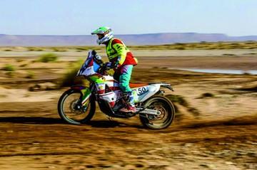 Boliviano Fuentes compite en Rally de Marruecos