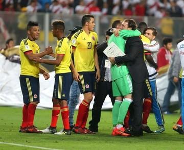 Santos celebra la clasificación de Colombia para Rusia 2018