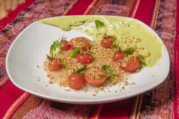 Tomates / palta / quinua
