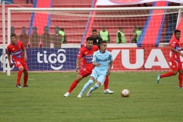 Universitario perdió ante Bolívar en el estadio Patria