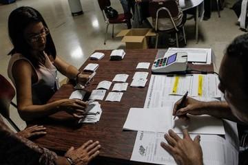 Chavismo gana 17 de las 23 gobernaciones