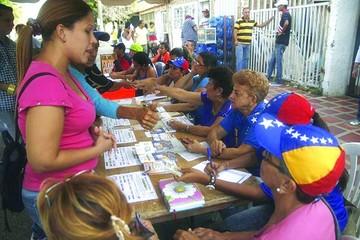 El chavismo se impuso en 17 de los 23 estados