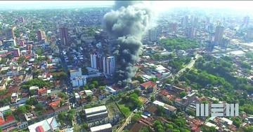 Incendio devora el mercado de Asunción