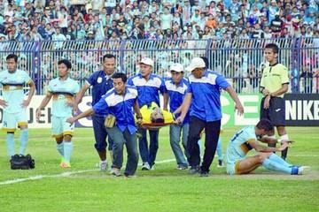 Alarma en fútbol indonesio tras muerte de portero