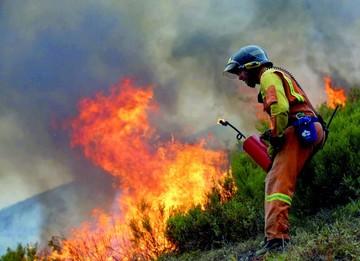 Se extinguen incendios en Portugal y España