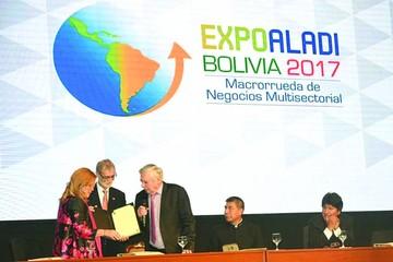 La Expo Aladi comienza en medio de expectativa