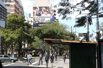 Una autopsia pone en vilo a las elecciones legislativas argentinas