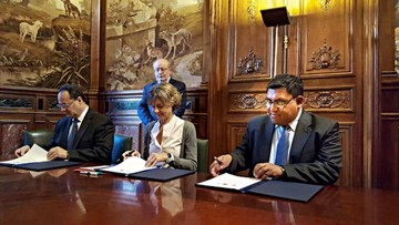 Bolivia y España pactan en seguridad de presas
