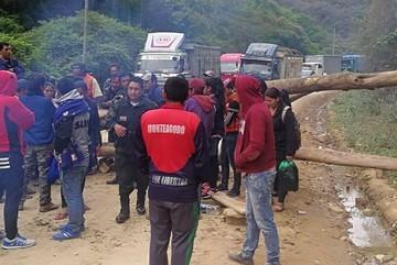 Bloqueo de universitarios en Monteagudo provoca molestia en transportistas