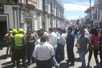 Sucre: Sindicato de Micros San Cristóbal bloquea por reordenamiento