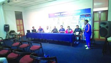 DT colombiano fortalece el fútbol base en la Capital
