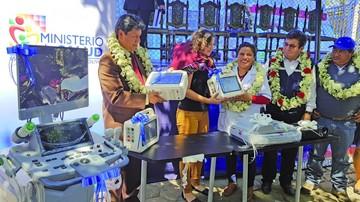 Diez municipios reciben equipo médico