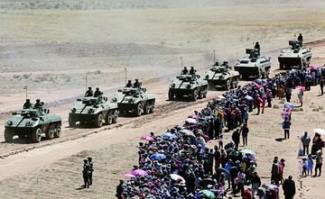 Ejército realiza ejercicio y Evo ve autosuficiencia