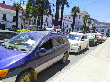 Decomisan ocho vehículos que podrían ser ilegales