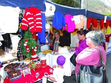 Feria demuestra talento de los adultos mayores