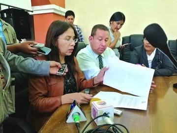 Millares anuncia proceso penal contra Gobernador