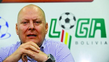 Presidente de la FBF prestó dinero para gastos de Selección