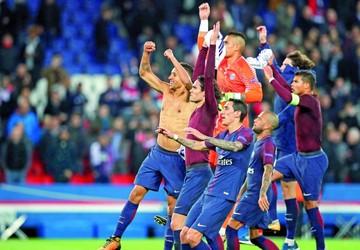PSG y Bayern logran pase; Atlético contra las cuerdas