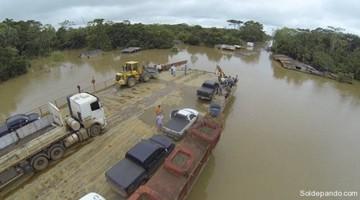 """Bus de flota """"Yungueña"""" se hunde en el río Beni"""