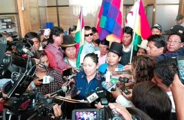 Suman adhesiones y rechazos a la repostulación de Evo Morales
