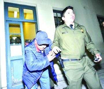 A prisión padre de Pari y una cajera por desfalco