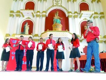 BCB premia a elenco del San Cristóbal tras  concurso de teatro
