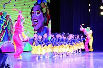 """Presentación """"El carnaval del mundo 2017"""" voltea taquilla"""