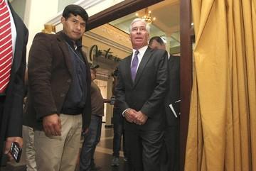Brennan pide reunión de despedida con Evo Morales y Fernando Huanacuni