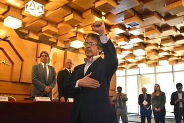 Herbas se va al BCB tras una disminuida gestión en Transparencia de Obras Públicas
