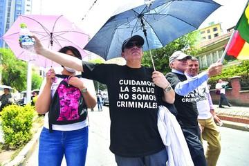 Sentencia favorece a médicos pero la huelga continúa hoy