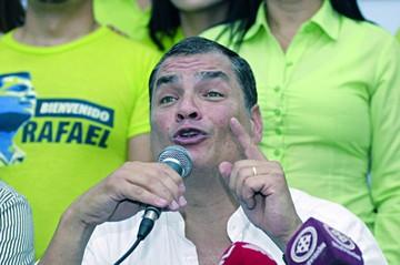 Correa arremete contra Moreno y critica sus alianzas