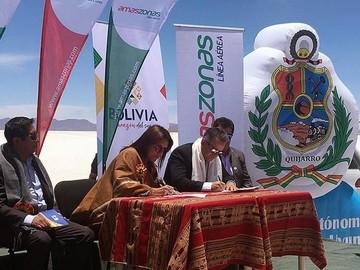 Marca Bolivia toma altura con alianza de Amaszonas desde el Salar de Uyuni
