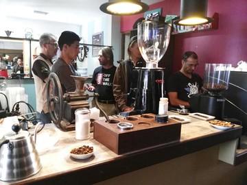 Siete locales asociados, en Sucre, reciben capacitación sobre el café