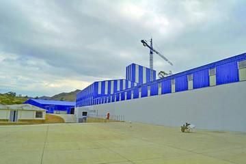 La Fábrica de Vidrio sufre más retraso en su entrega