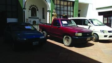 Recuperan cuatro coches y tres motocicletas robadas