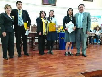 Rotary Club Sucre distingue a los  mejores alumnos