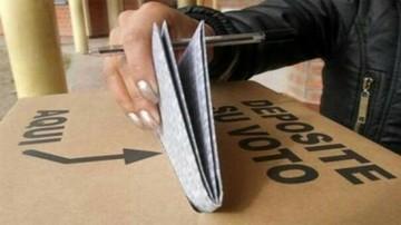"""Encuentran en Sacaca """"papeletas guía"""" con casillas marcadas"""
